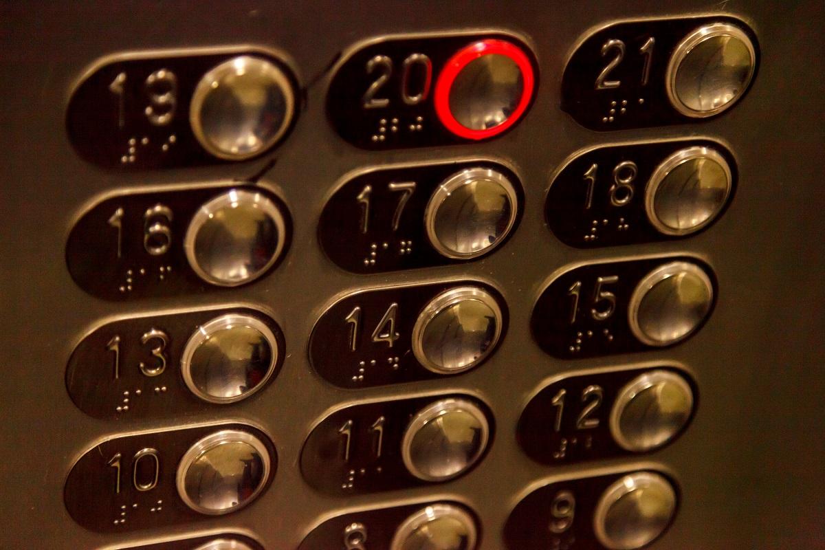 Manutenzione ordinaria ascensori: ecco con che modalità bisogna occuparsene